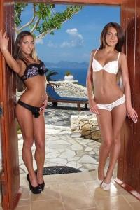 Amirah Adara & Alexis Brill,big open vagina