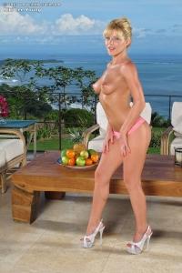Niki Lee Young,sexy tan line pics