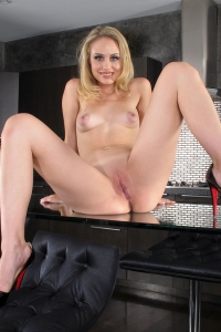 Charley Monroe,little vagina pictures