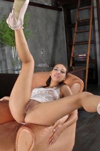 Sara Luvv,huge clit pics