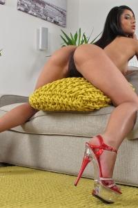 Ria Rodriguez,close up vulva