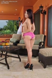 Lexi Bloom,huge vulva pics