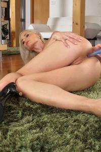 Claudie,small vagina video