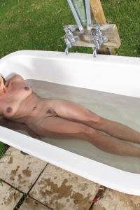 Sara Luvv,female peeing video