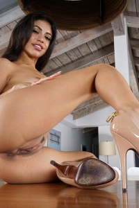 Veronica Rodriguez,wet pusssy pic