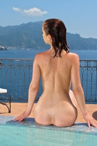 Nina Sunrise,big labia gallery