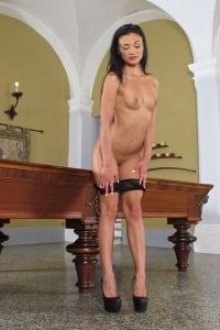 Keira,shaved women vagina