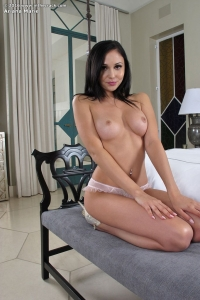 Ariana Marie,huge clit photo