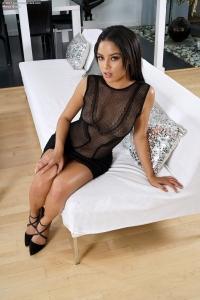 Maya Bijou,wet black vagina