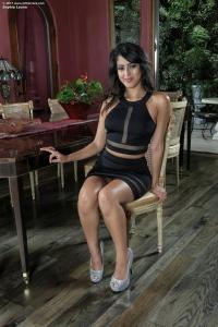 Sophia Leone,labia pics