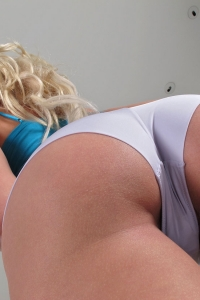 Anikka Albrite,tits close up