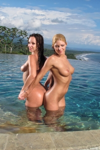 Jada Stevens Niki Lee Young	 ,big clitor
