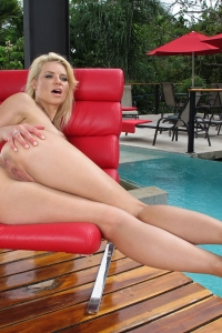 Anikka Albrite,large clitoris gallery
