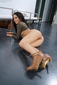 Maya,woman vagina pics