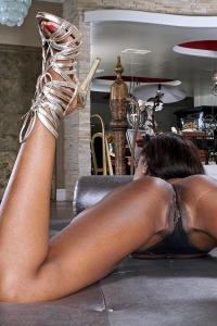 Jezabel,crossed legs tease