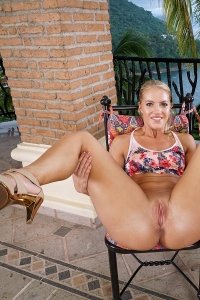 Candice Dare,young clit pic