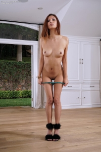 Jade Jantzen,shaved vagina photos