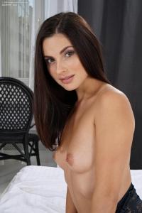 Jasmine Jazz,shaved clit pics
