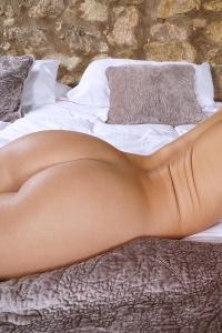 Clea Gaultier,oversized clit pics