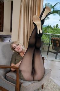 Riley Anne,wide vaginas