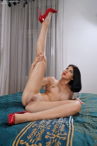 Lady Dee,large clit pics