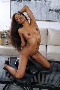 Demi Sutra,small vagina photo