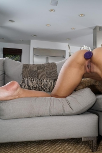 Demi Lopez,hairy vulva photos
