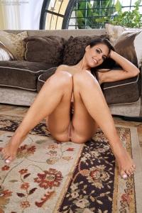 Apolonia Lapiedra,vagina hole photos