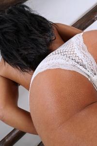 Apolonia Lapiedra,wet black ass